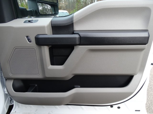 2019 F-550 Regular Cab DRW 4x2,  PJ's Platform Body #T198122 - photo 34
