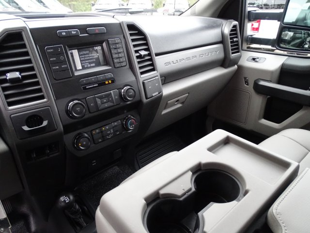 2019 F-550 Crew Cab DRW 4x4,  Reading SL Service Body #T198174 - photo 27