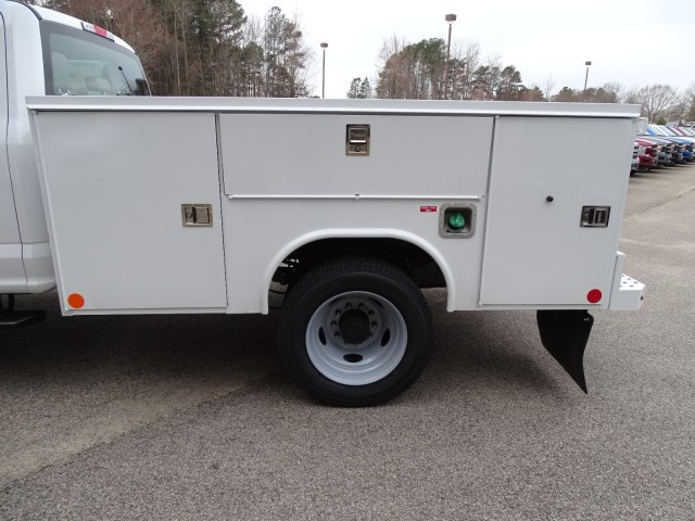 2019 F-550 Crew Cab DRW 4x4,  Reading SL Service Body #T198174 - photo 35
