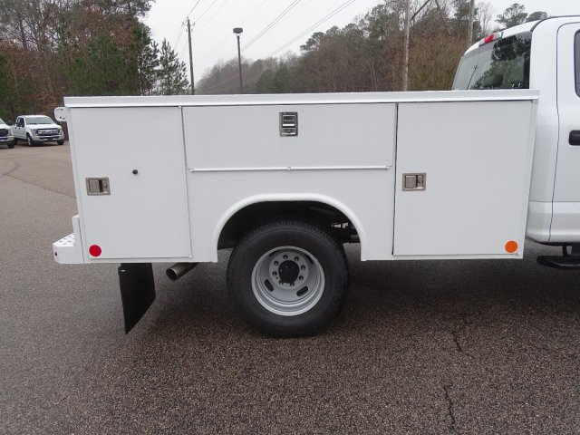 2019 F-350 Crew Cab DRW 4x4,  Reading SL Service Body #T198193 - photo 39
