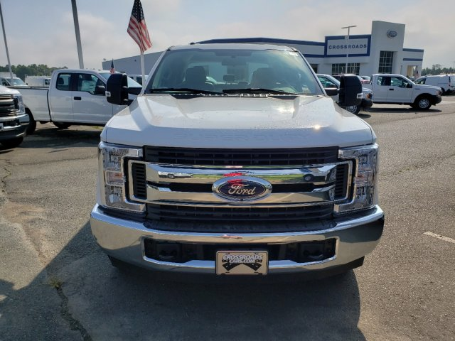 2019 F-250 Crew Cab 4x2,  Reading SL Service Body #T198197 - photo 3