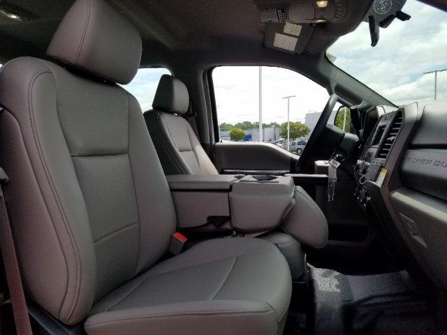 2019 F-450 Crew Cab DRW 4x2,  Cab Chassis #T198259 - photo 28