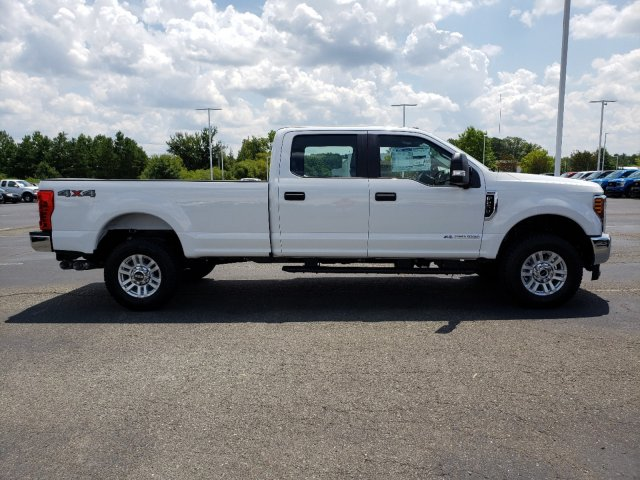 2019 F-250 Crew Cab 4x4,  Pickup #T198324 - photo 4