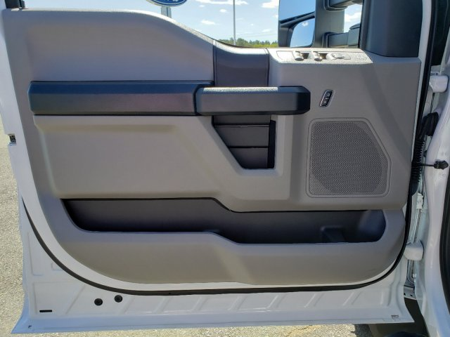 2019 F-550 Crew Cab DRW 4x4,  CM Truck Beds TM Deluxe Platform Body #T198385 - photo 11