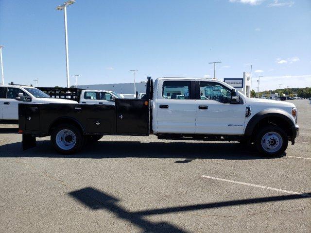 2019 F-550 Crew Cab DRW 4x4,  CM Truck Beds TM Deluxe Platform Body #T198385 - photo 4