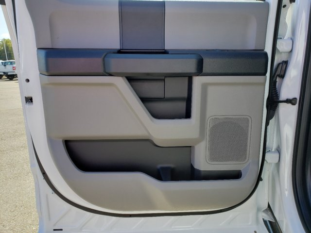 2019 F-550 Crew Cab DRW 4x4,  CM Truck Beds TM Deluxe Platform Body #T198385 - photo 23