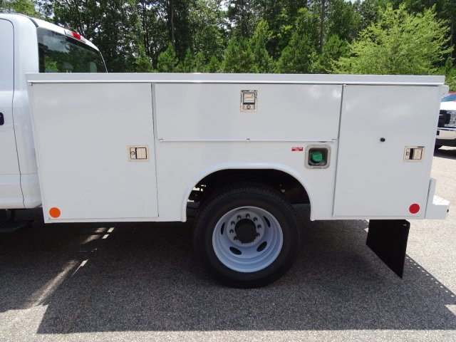 2019 F-550 Crew Cab DRW 4x4,  Reading SL Service Body #T198396 - photo 35