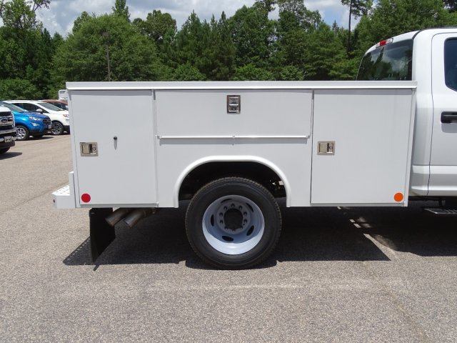 2019 F-550 Crew Cab DRW 4x4,  Reading SL Service Body #T198396 - photo 39