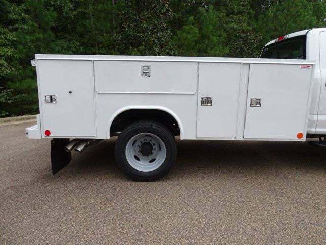 2019 F-450 Crew Cab DRW 4x4, Reading SL Service Body #T198401 - photo 37