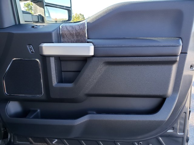 2019 F-350 Crew Cab DRW 4x4, Pickup #T198406 - photo 28
