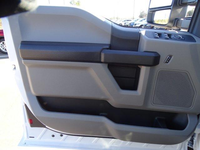 2019 Ford F-550 Super Cab DRW 4x4, Reading Classic II Steel Service Body #T198483 - photo 15