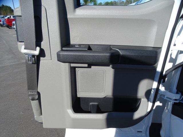 2019 Ford F-550 Super Cab DRW 4x4, Reading Classic II Steel Service Body #T198483 - photo 39