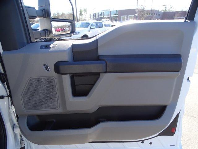 2019 Ford F-550 Super Cab DRW 4x4, Reading Classic II Steel Service Body #T198483 - photo 44