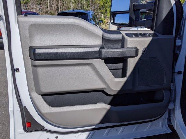 2019 Ford F-550 Super Cab DRW 4x4, Reading SL Service Body #T198488 - photo 15