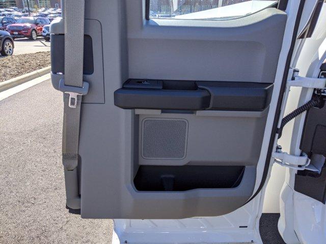 2019 Ford F-550 Super Cab DRW 4x4, Reading SL Service Body #T198488 - photo 39