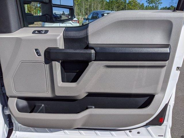 2019 Ford F-550 Super Cab DRW 4x4, Reading SL Service Body #T198488 - photo 44