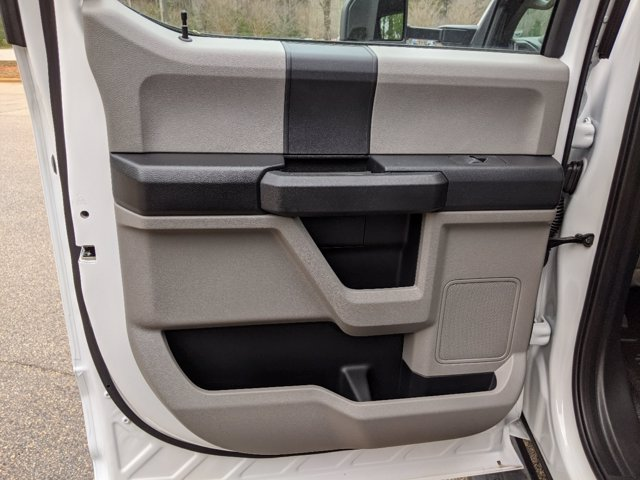 2019 Ford F-550 Crew Cab DRW 4x4, PJ's Platform Body #T198489 - photo 33