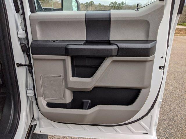 2019 Ford F-550 Crew Cab DRW 4x4, PJ's Platform Body #T198489 - photo 37