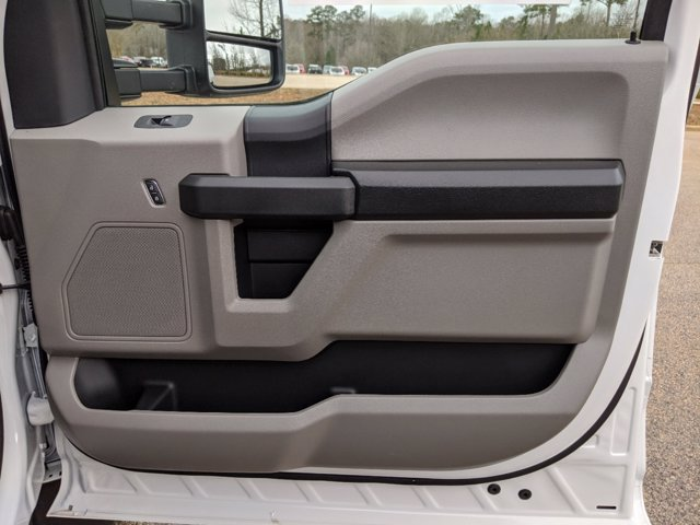 2019 Ford F-550 Crew Cab DRW 4x4, PJ's Platform Body #T198489 - photo 41