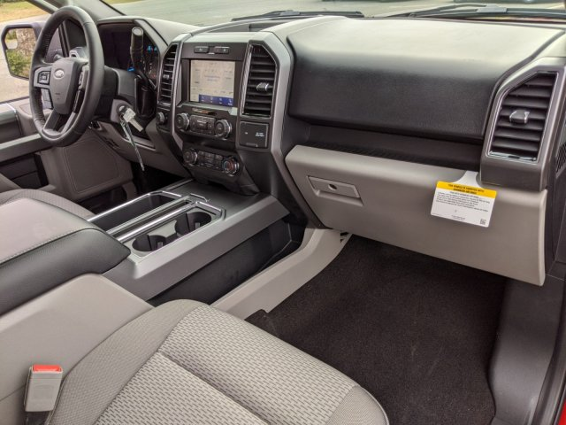 2020 F-150 SuperCrew Cab 4x2, Pickup #T207150 - photo 32