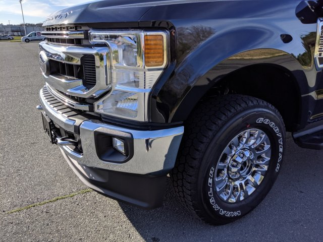 2020 F-250 Crew Cab 4x4, Pickup #T208026 - photo 9