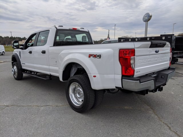 2020 Ford F-450 Crew Cab DRW 4x4, Pickup #T208046 - photo 2