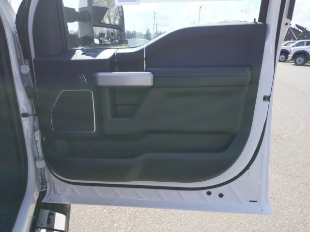 2020 Ford F-350 Crew Cab 4x4, Pickup #T208067 - photo 31