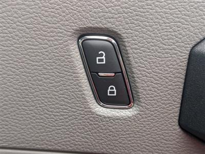 2020 Ford F-550 Regular Cab DRW 4x2, PJ's Platform Body #T208187 - photo 27