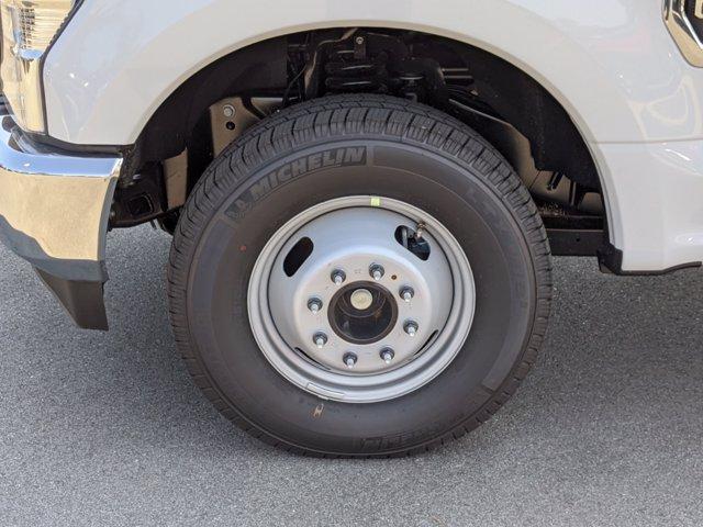 2020 Ford F-350 Regular Cab DRW 4x2, Platform Body #T208254 - photo 11