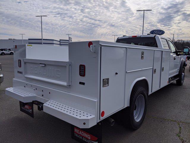 2020 Ford F-550 Crew Cab DRW 4x2, Reading SL Service Body #T208273 - photo 3