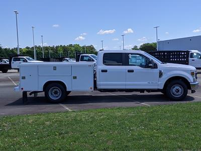 2020 Ford F-350 Crew Cab DRW 4x2, Reading SL Service Body #T208275 - photo 3