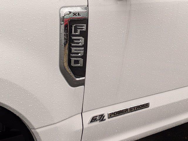2020 Ford F-350 Crew Cab DRW 4x2, Knapheide PGNB Gooseneck Platform Body #T208285 - photo 11