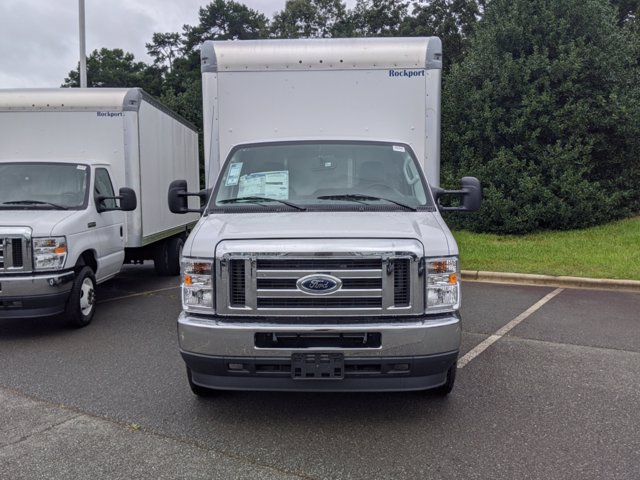 2021 Ford E-450 RWD, Rockport Cutaway Van #T216017 - photo 7