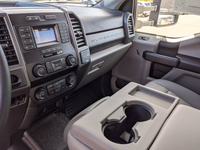 2021 Ford F-450 Crew Cab DRW 4x2, Reading Service Body #T218051 - photo 28