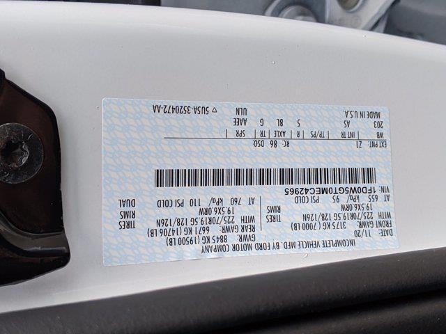 2021 Ford F-550 Crew Cab DRW 4x2, CM Truck Beds Platform Body #T218162 - photo 42