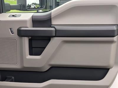 2021 Ford F-550 Crew Cab DRW 4x2, CM Truck Beds Platform Body #T218162 - photo 33