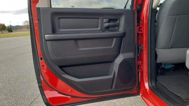 2019 Ram 1500 Crew Cab 4x2,  Pickup #R1214 - photo 33