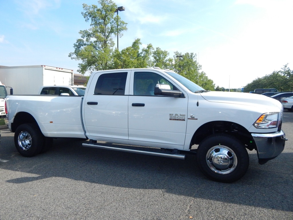 2018 Ram 3500 Crew Cab DRW 4x4,  Pickup #JG299637 - photo 3