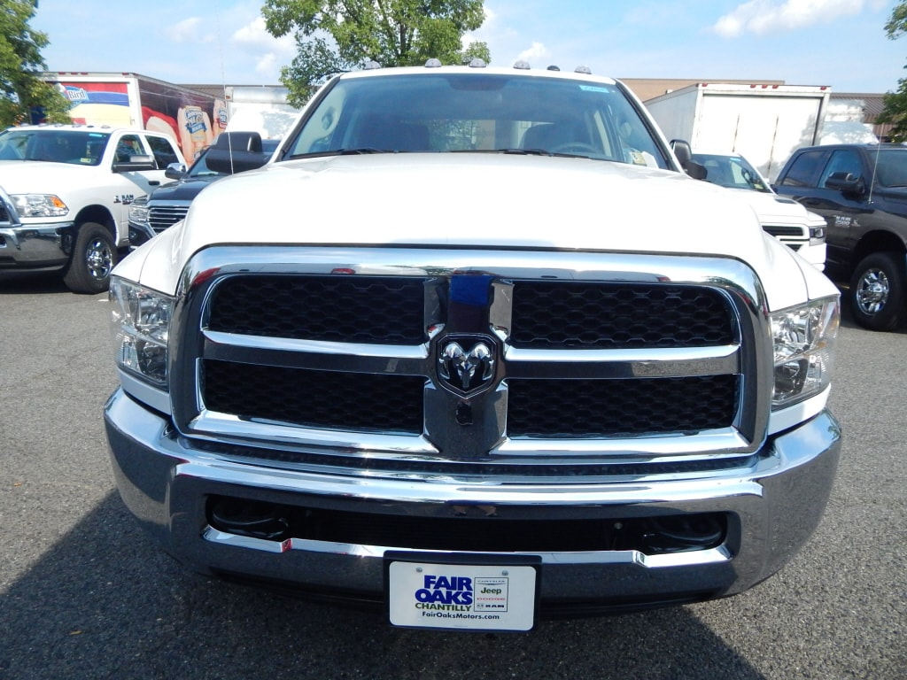2018 Ram 3500 Crew Cab DRW 4x4,  Pickup #JG299637 - photo 5