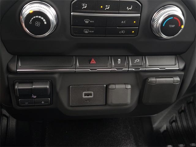 2020 GMC Sierra 3500 Crew Cab 4x4, CM Truck Beds RD Model Platform Body #G201046 - photo 14