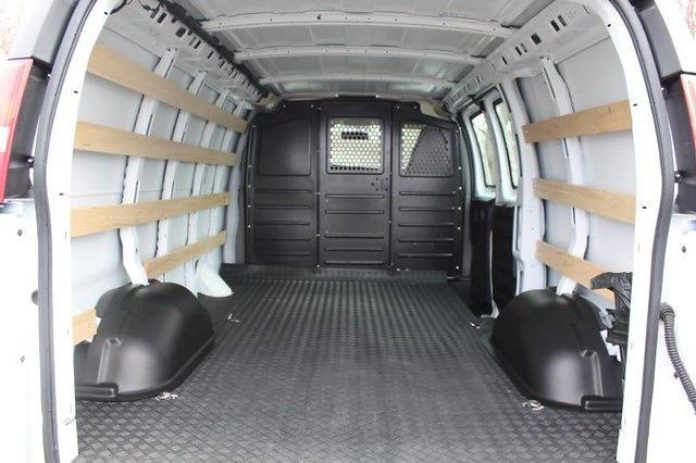 2020 Chevrolet Express 2500 4x2, Empty Cargo Van #P13926 - photo 2