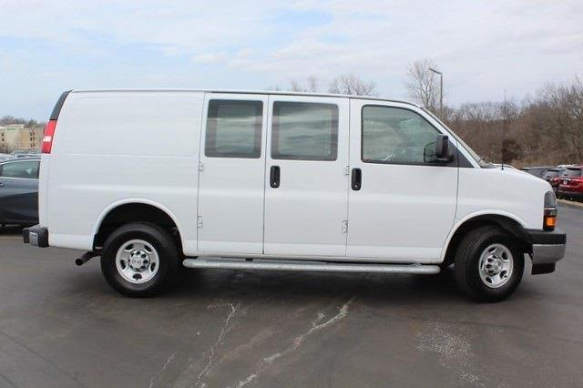 2020 Chevrolet Express 2500 4x2, Empty Cargo Van #P13926 - photo 4