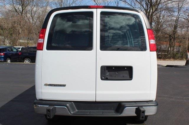 2020 Chevrolet Express 2500 4x2, Empty Cargo Van #P13965 - photo 13