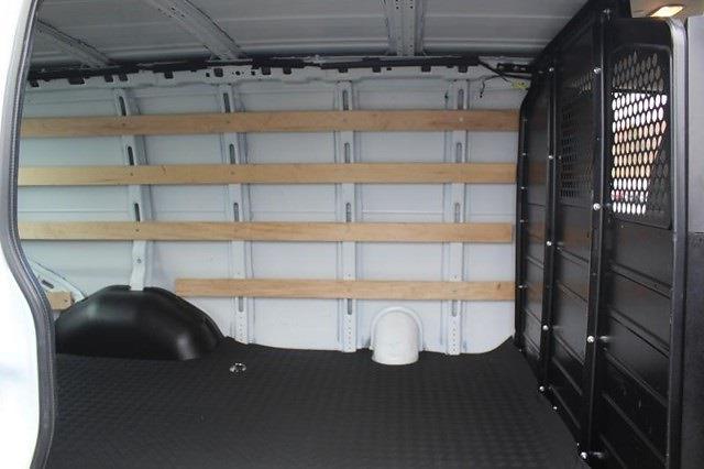 2019 GMC Savana 2500 4x2, Empty Cargo Van #P13974 - photo 4