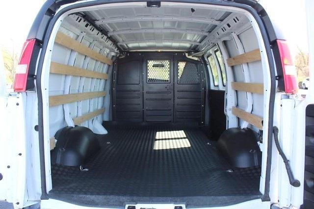 2019 GMC Savana 2500 4x2, Empty Cargo Van #P14059 - photo 2