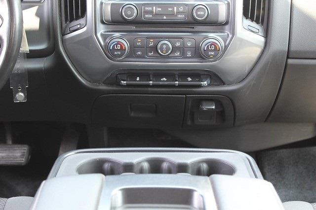 2016 Chevrolet Silverado 1500 Crew Cab 4x4, Pickup #P14253 - photo 20