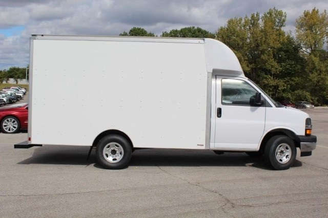 2020 Chevrolet Express 3500 4x2, Supreme Spartan Cargo Cutaway Van #T12379 - photo 3