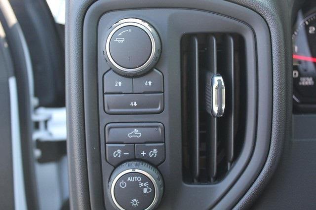 2021 Chevrolet Silverado 3500 Crew Cab 4x4, Knapheide PGNB Gooseneck Platform Body #T13334 - photo 14