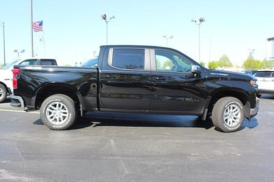 2021 Chevrolet Silverado 1500 Crew Cab 4x4, Pickup #T13360 - photo 3