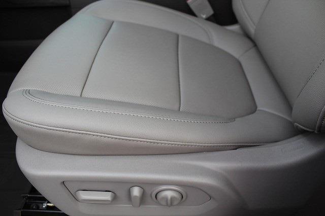 2021 Chevrolet Silverado 1500 Crew Cab 4x4, Pickup #T13405 - photo 18